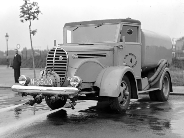1938 Ford V8 Sweeper by Marmon-Herrington