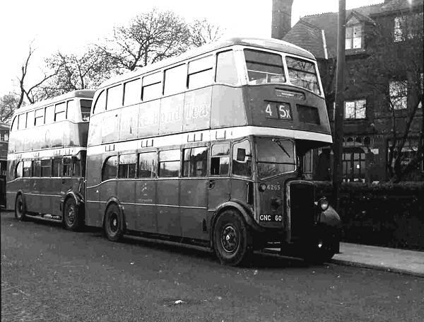 1940 Daimler COG5 - Metro Cammell H28-26R