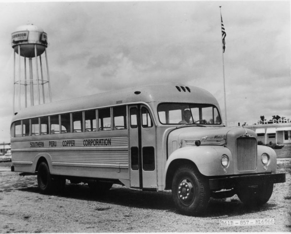 1940 MACK B Series School Bus