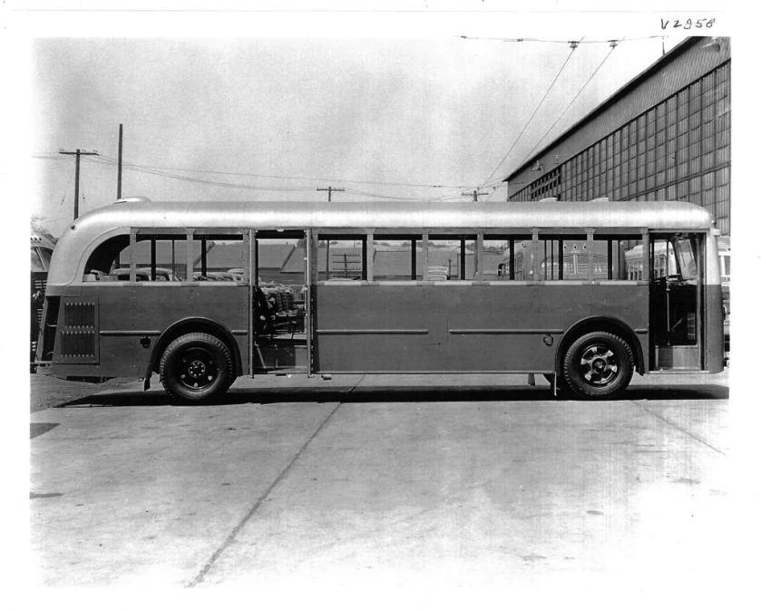 1941 MACK model LD3G CONNECTINCONST