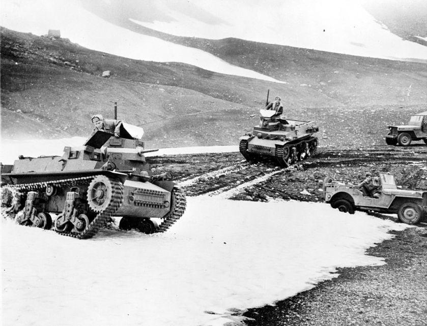 1942 Marmon Herrington Tanks LOC fsa 8e09169u