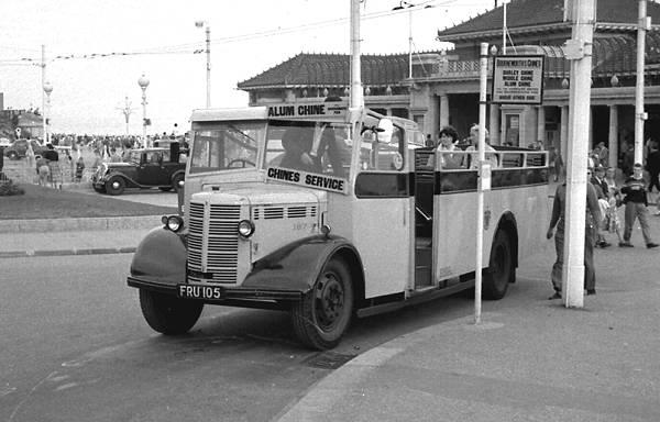 1943 Bedford OWB with a Mulliner B32F body bm187