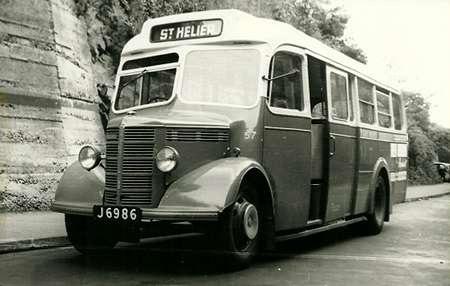 1947 Bedford OB Mulliner J-6986_3