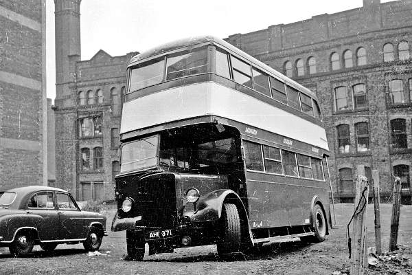 1948 Leyland PD1 with MCCW H28-26R body