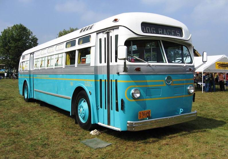1948 Mack blue bus