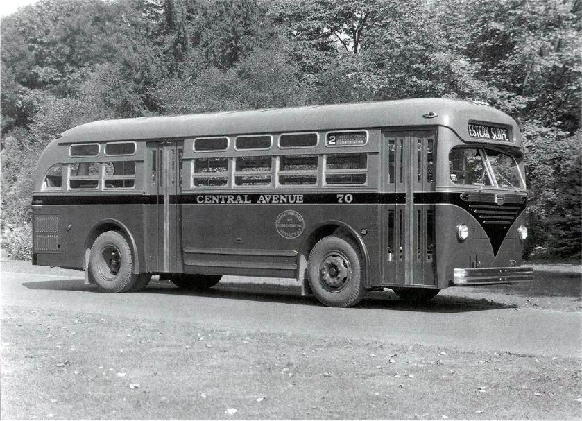 1948 Mack Model C-33-DT