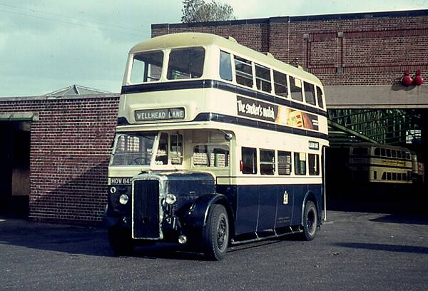 1949 Daimler CVG6, one of eighty-seven with Metro-Cammell H30-24R body