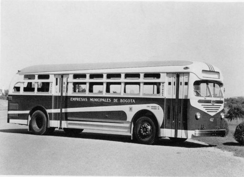 1949 Mack Model C-37-GT