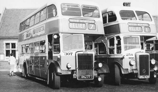 1949 Southend Leyland PD2 307, OHJ77 from 1957, alongside 1949 Daimler CV 254, DHJ429, both with Massey bodies.