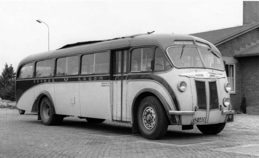 1950 Maarse en Kroon Guy Arab met Verheul carrosserie is samen met haar zusje in 1955 verkocht aan de RTM.