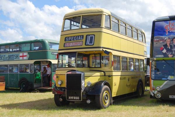 1951 Leyland PD2-1 with Metro Cammell H30-26R body