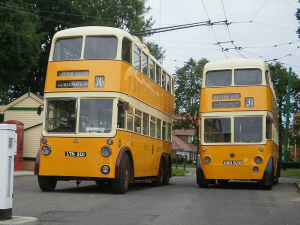 1951 Two Newcastle But trolleys Metro-Cammell body H40-30R body