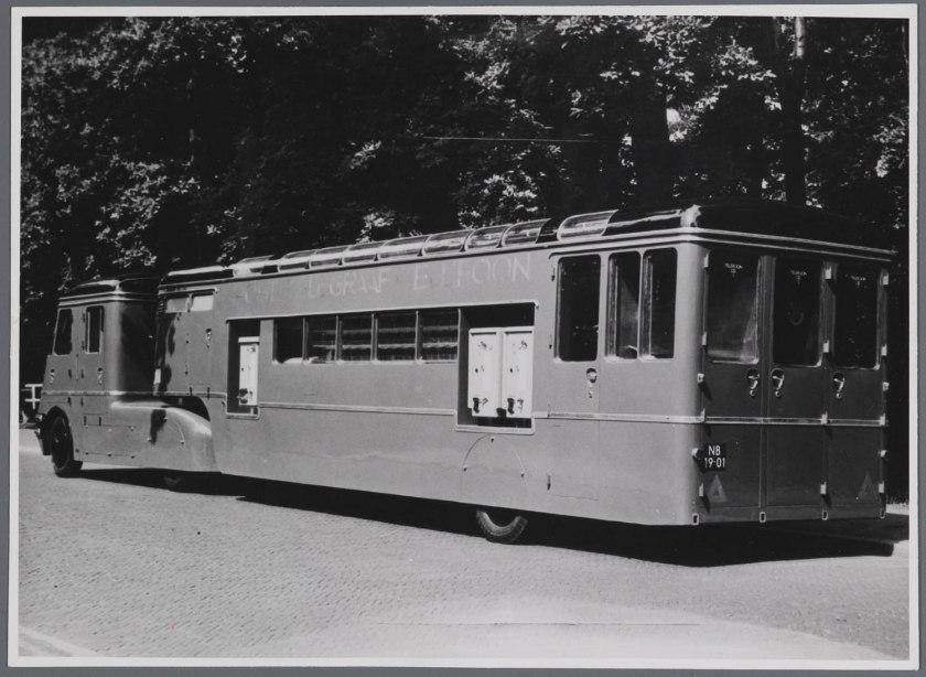 1952 DAF YA 318 (EX PROTOTYPE) + MEDEMA OPLEGGER -1952