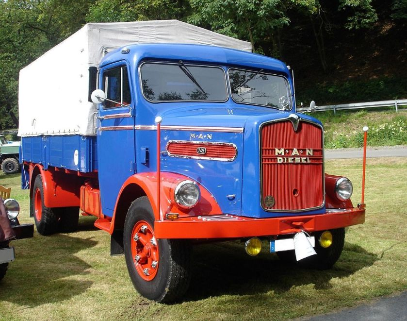 1954 MAN 745