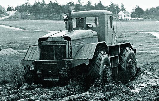 1955 MAZ-528 tractor, 4x4