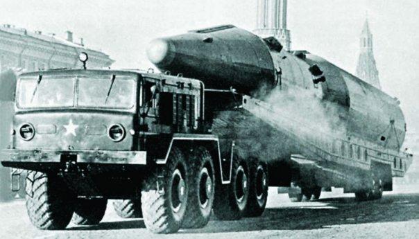 1958-66 MAZ-537 (8x8) with R-9А ICBM