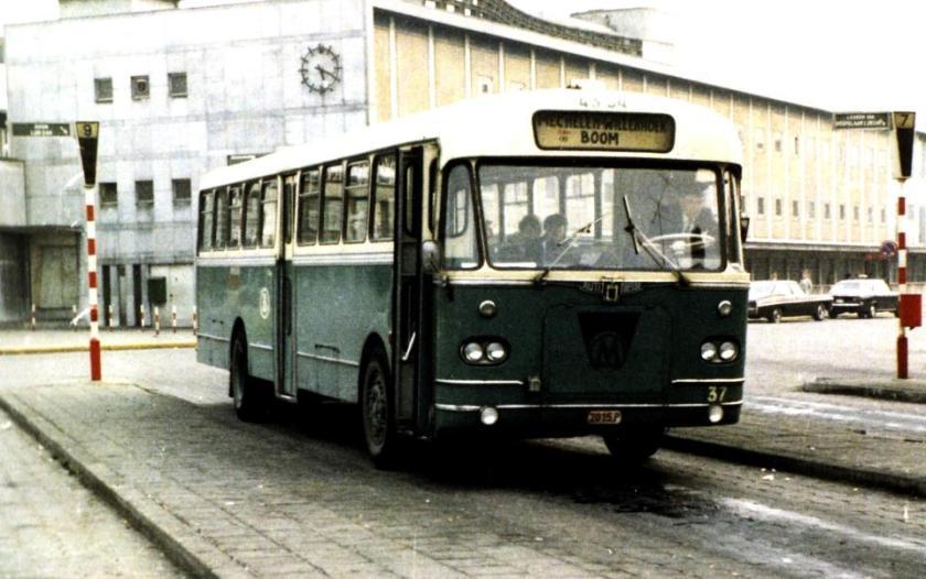1958 Autocar Miesse 37