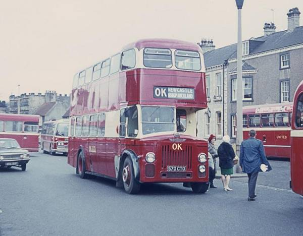 1959 Leyland Titan PD3-1 with Metro Cammell H40-32F body