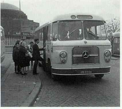 1960 Mercedes-bus van Meussen