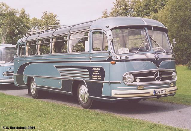 1960 Mercedes-O321H-Reisebus-hellblau-Dek-dkblau-Puetz