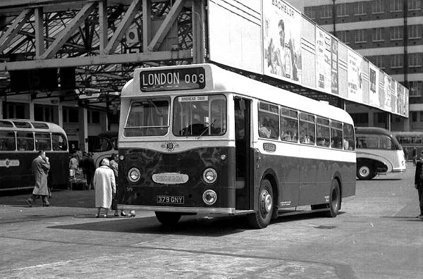 1961 Leyland Tiger Cub PSUC1-2 with Metro-Cammell DP41F body