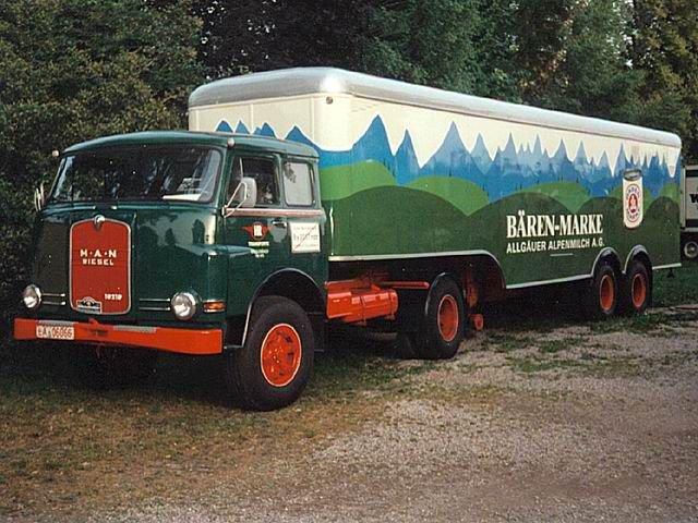 1967 MAN de toute beauté et sa semi remorque deux essieux PTRA de 35 tonnes