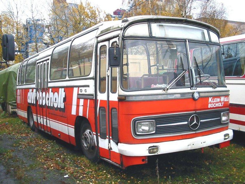 1973 MERCEDES Benz 0302