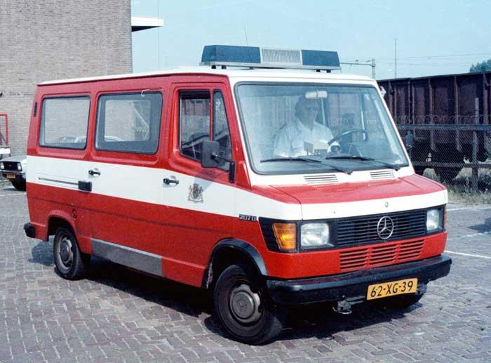1976 Mercedes-Benz 207D30 autobus 62-XG-39