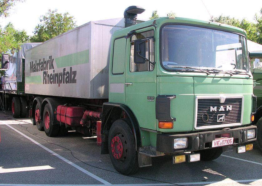 1983-86 MAN 22321 Unterflur Bauzeit