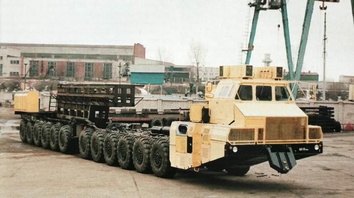 1984 MAZ7907 24 wheel drive