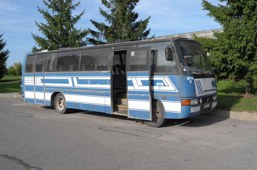 1987 Mercedes-Benz 1120-49 Delta (Erikoiskori) Star 20, entinen lentoparkkibussi