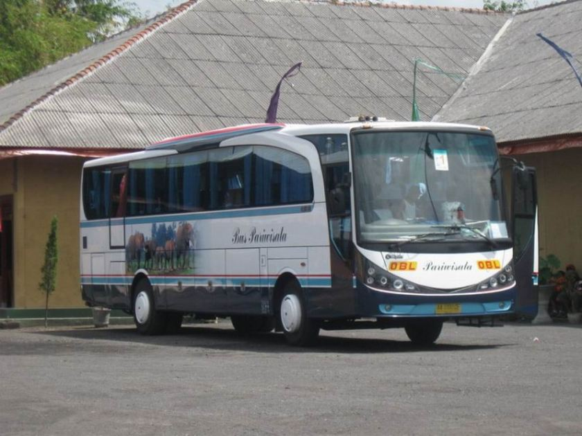 2009 Adiputro Royal Coach New Marcopolo a Indonesië