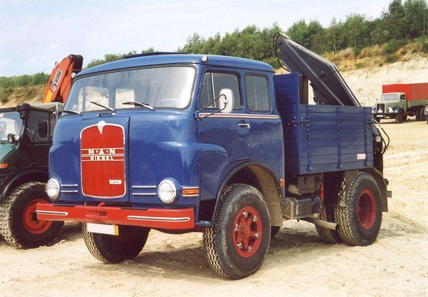 22 MAN 10210 Pausbacke Zugmaschine