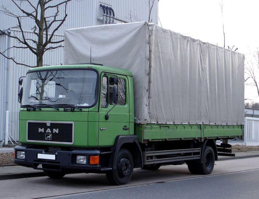 33 MAN M90 Pritschenwagen 12.152