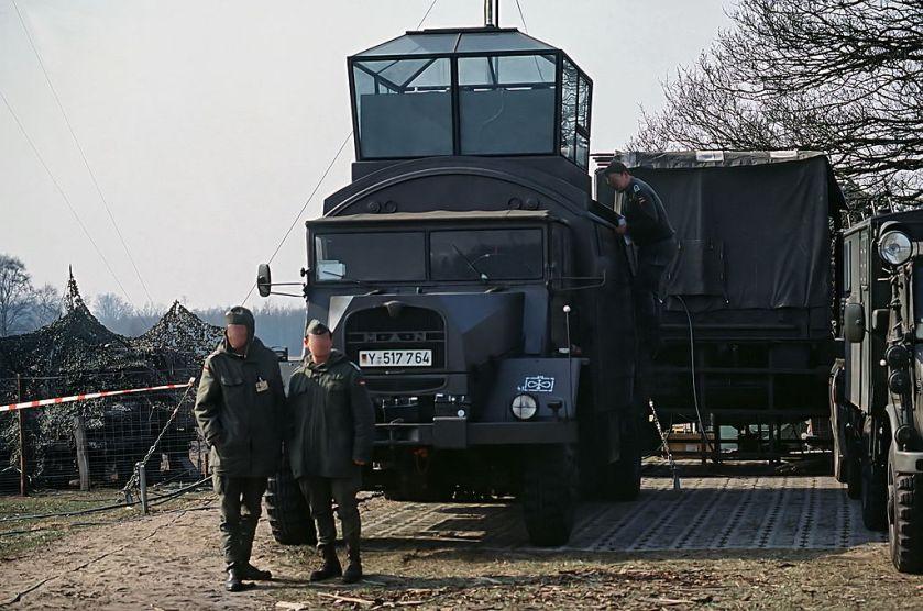 61 MAN 630 L2A mit Flugsicherungsanlage 70 mobile tower