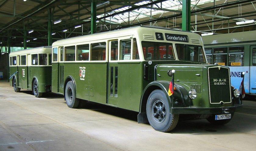 74 MAN Stadtbus mit Anhänger