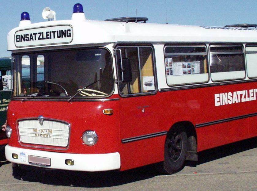 80 MAN-Linienbus als Einsatzleitwagen der Feuerwehr