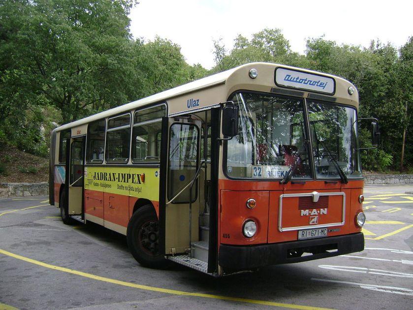 87 Gelenkbus MAN SG 220 in Rijeka (Kroatien)