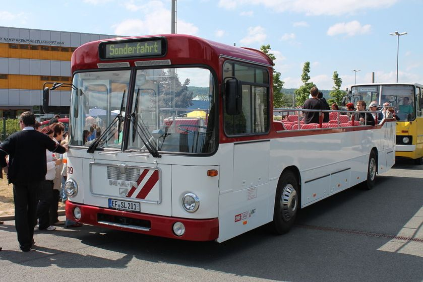 92 Zum Cabrio umgebauter MAN SL 200 der Erfurter Verkehrsbetriebe