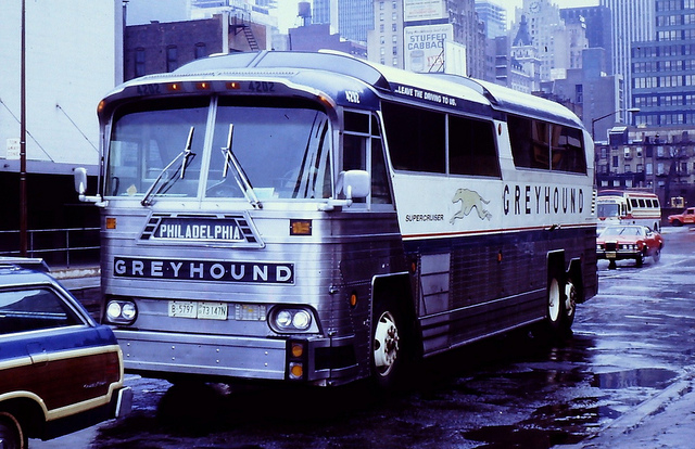 Greyhound bus 4202 (MCI MC-6)