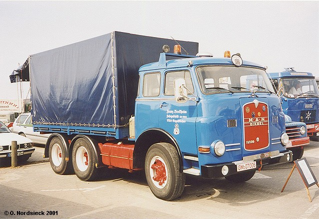M.A.N. 15.230 Zugmaschine (Pausbacke)