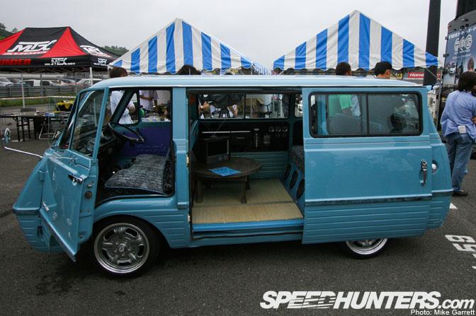 Mazda Bongo Bus Turquoise Blue