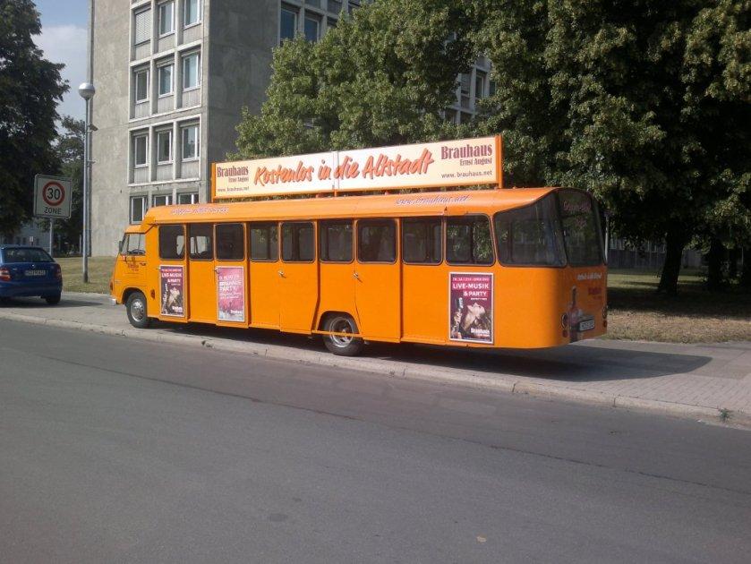 Mercedes Benz Bus, als Zubringer zum Brauhaus in Hannover