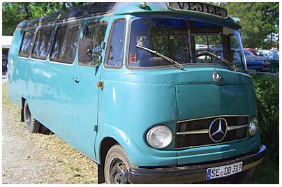 mercedes-benz-busse-319-bus-02b-200010