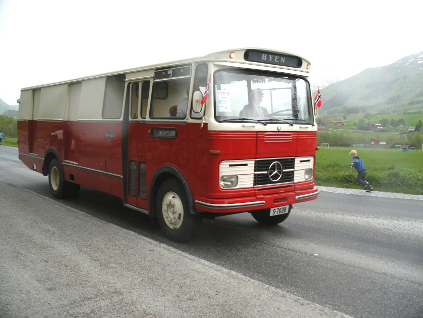 Mercedes Benz Firda-billag Bus Truck N