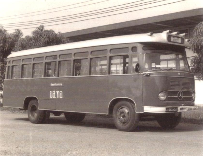 MERCEDES Benz LP 328