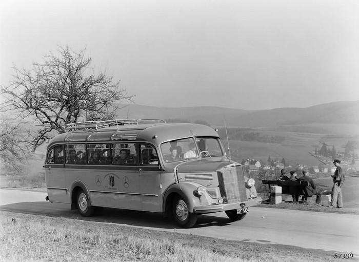 Mercedes Benz oud Enschede