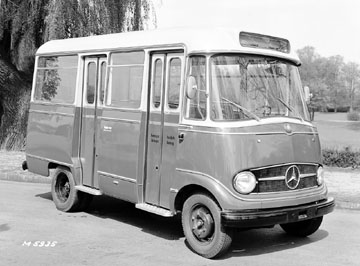 Mercedes-Benz Type O 319 Mini Bus
