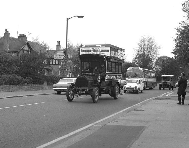 Milnes Daimler HCVC Rally in Croydon