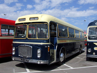 Mulliner bus-bodied Bedford OB MHU 193